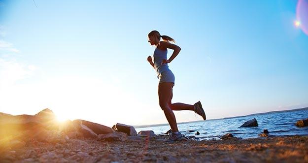 Lebih Efektif Olahraga Pagi Atau Olahraga Sore?