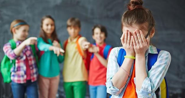 6 Hal Yang Harus Dilakukan Orang Tua Saat Anak Membully Teman