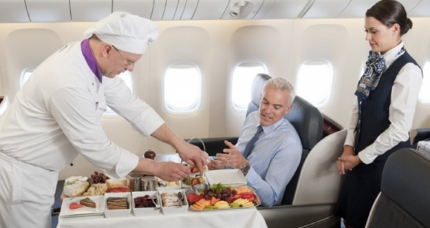 Makanan Di Pesawat Tidak Terasa Enak? Inilah Alasannya