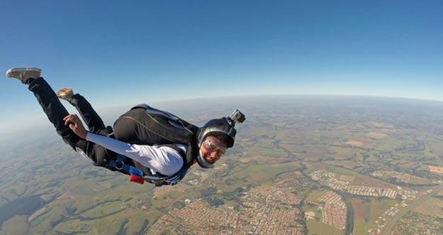 5 Tempat Skydive Terbaik Di Dunia