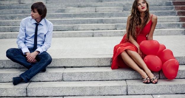 10 Tanda Hubunganmu Tidak Layak Untuk Dipertahankan