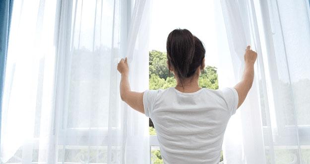 Alasan Untuk Membuka Jendela Kamar Setiap Pagi