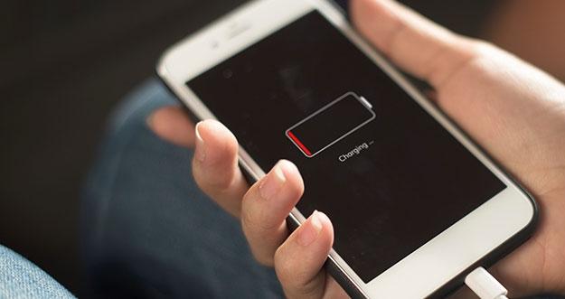 Mengapa Smartphone Kerap Mati Sebelum Batterai Capai 0 Persen?