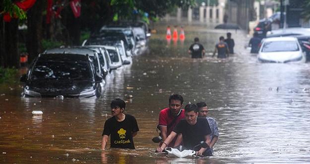 5 Tips Membersihkan Rumah Usai Banjir