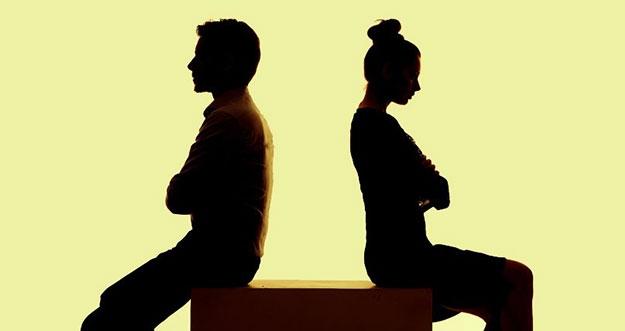 4 Tanda Kamu Menjalin Hubungan Dengan Pria Beracun