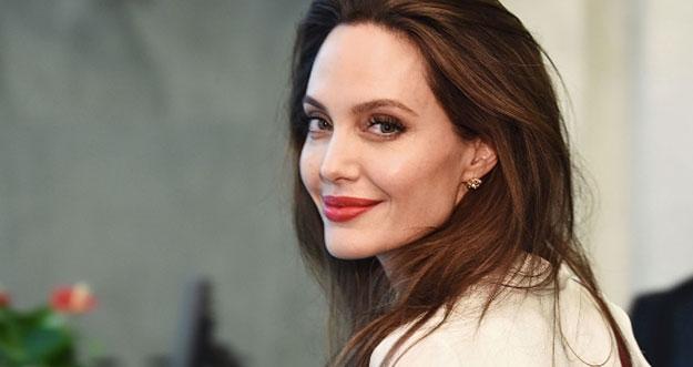 10 Selebriti Seksi Hollywood Dengan Kemampuan Mengejutkan