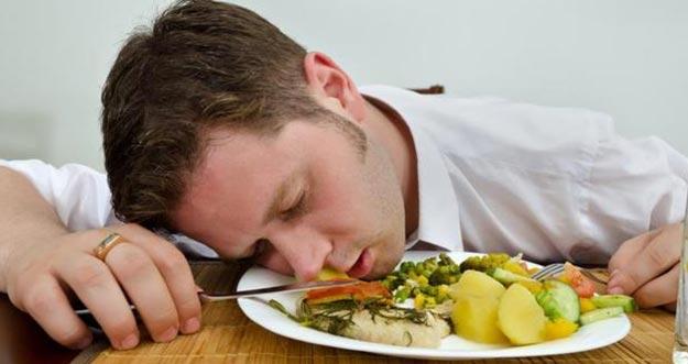 Tanda Orang Keracunan Makanan dan Langkah Mudah Mengobatinya