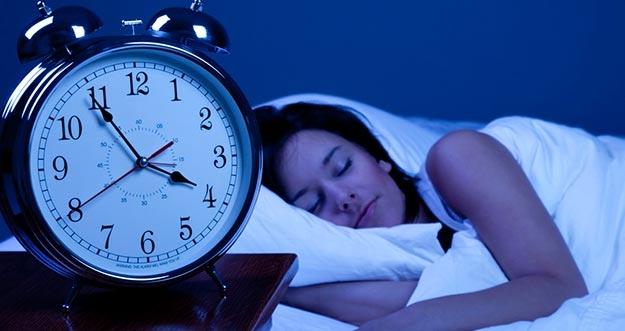 Mau Tidur Malam Lebih Nyenyak? Lakukan Hal Berikut