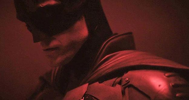 Penampakan Robert Patinson Berkostum Batman