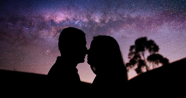 7 Alasan Pria Tak Ingin Jatuh Cinta Terlalu Dalam pada Wanita