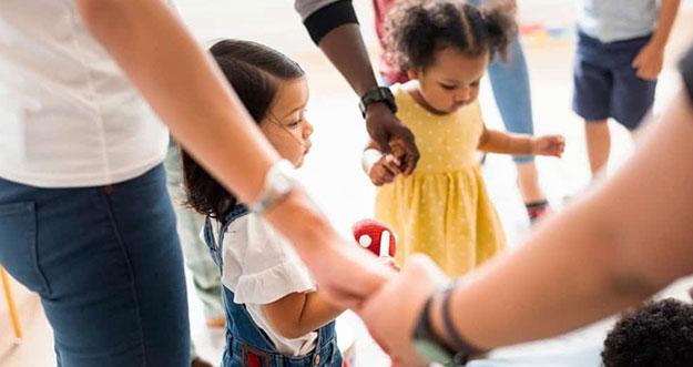 Cara Mengajarkan Anak Bekerja Sama
