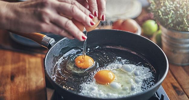 4 Tips Memasak Telur Yang Lebih Sehat