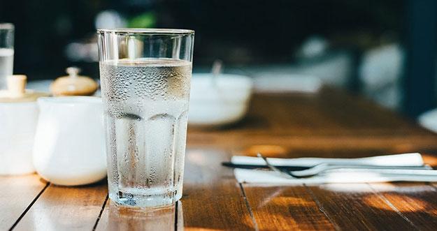 9 Tips Agar Tidak Malas Minum Air Putih