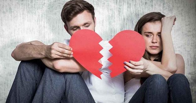 4 Tanda Dia Bukan Pasangan Yang Tepat Untukmu