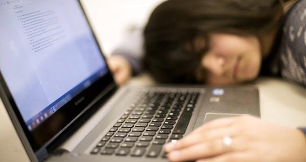 7 Cara Mengusir Kantuk Ketika Belajar Atau Bekerja
