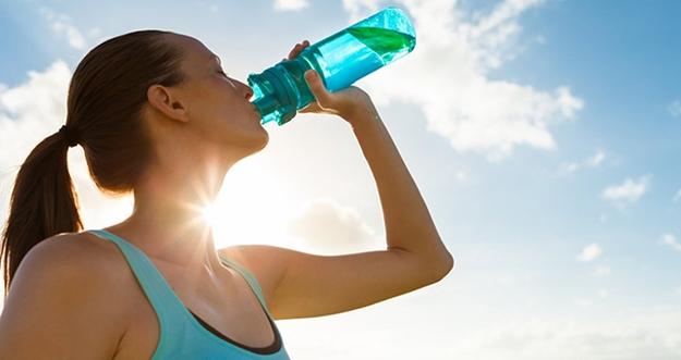 Mitos Minum Air Dingin Setelah Olahraga Sebabkan Kematian