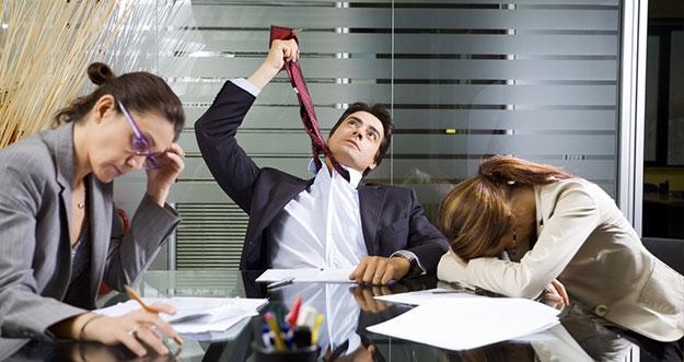 Kebiasaan Buruk Saat Bekerja Yang Perlu Dihentikan