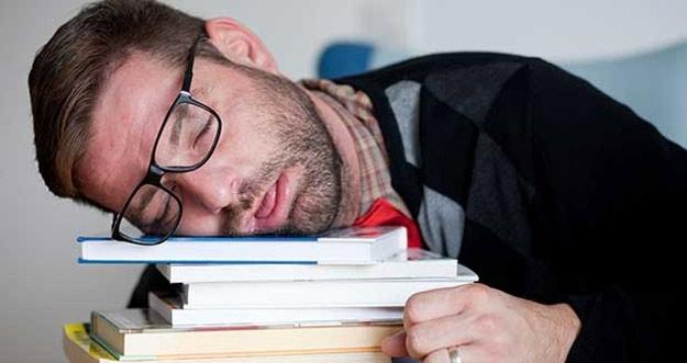 Kurang Tidur Bisa Memicu Bunuh Diri?