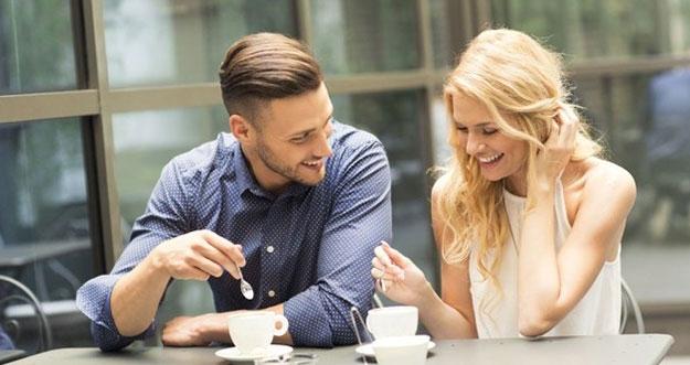 6 Hal Yang Diperhatikan Pria Dari Perempuan Saat Kencan Pertama