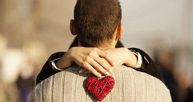 7 Cara Jatuh Cinta Bisa Mengubah Kepribadian