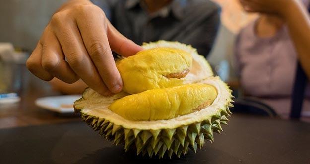 Hal Yang Harusnya Ditakuti Ketika Makan Durian