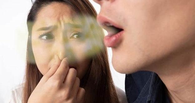 5 Tips Sederhana Menghilangkan Bau Mulut