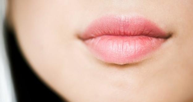 Tips Merawat Kulit Bibir Yang Tipis dan Sensitif