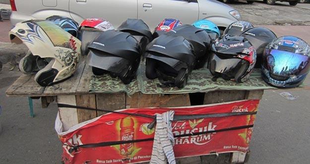 Ciri-Ciri Helm Seken Hasil Curian