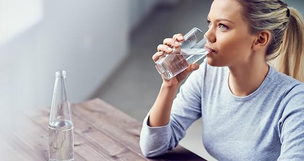 6 Waktu Penting Mengonsumsi Air Putih