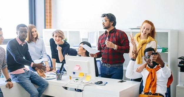 4 Hal Yang Membuat Karyawan Betah Di Kantor