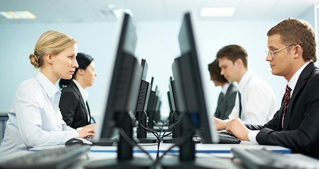 5 Tips Agar Pikiran Tetap Fokus Di Kantor