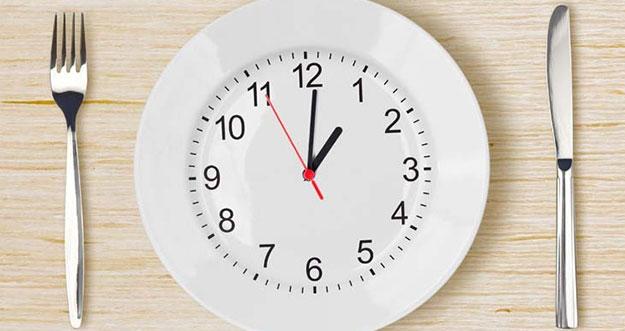 4 Tips Membiasakan Diri Tidak Melewatkan Waktu Makan