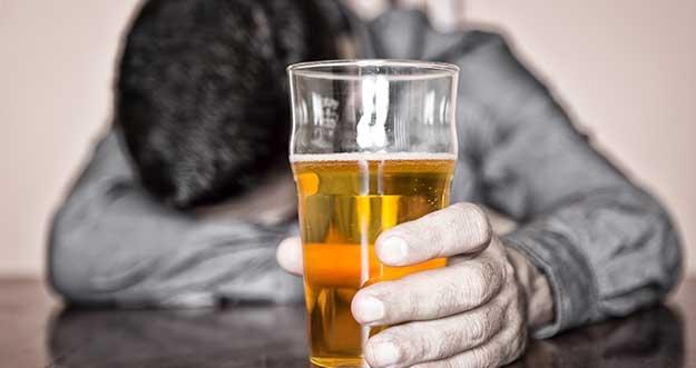 Alasan Kenapa Alkohol Merupakan Hal Terburuk Di Dunia
