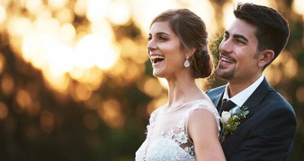 10 Alasan Yang Tak Sebaiknya Digunakan Untuk Menikah