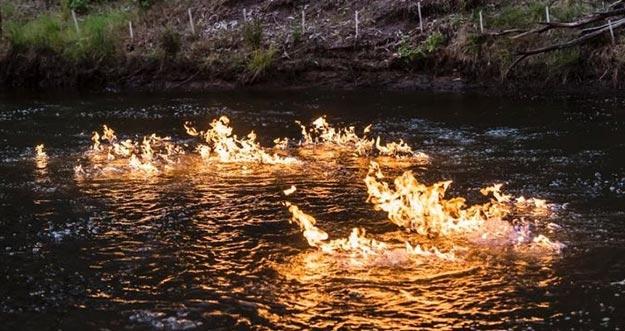 Melihat Sungai Api Yang Berada Di Australia