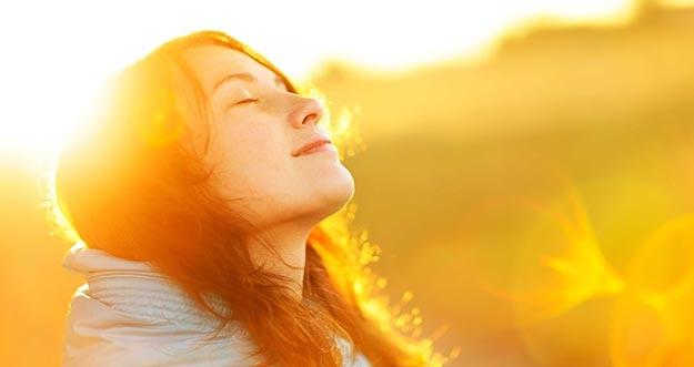 Ternyata Ini Manfaat Dari Sinar Matahari Yang Tidak Diketahui Orang