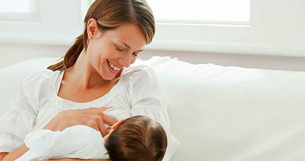 Bisakah Ibu dengan Kanker Payudara Tetap Menyusui Bayinya?
