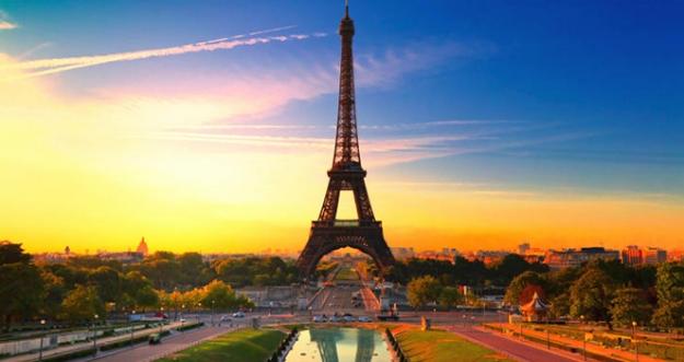 10 Tempat Wisata Favorit Di Paris
