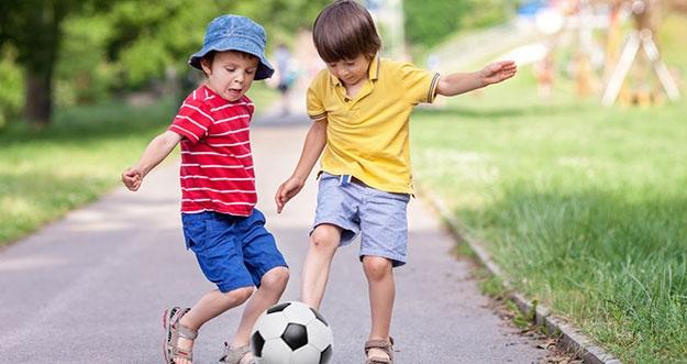 5 Cara Memotivasi Anak Bermain Di Luar Rumah