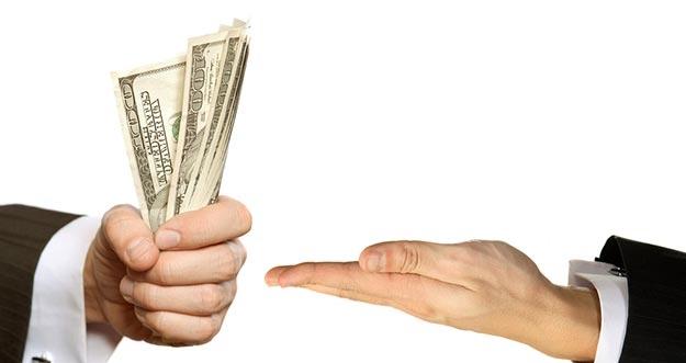 5 Etika Meminjam Uang Ke Teman