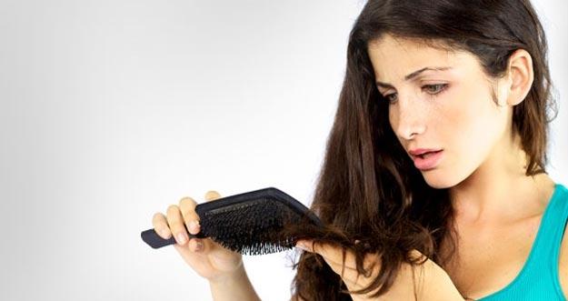 Cara Mengatasi Rambut Rontok dan Penyebabnya
