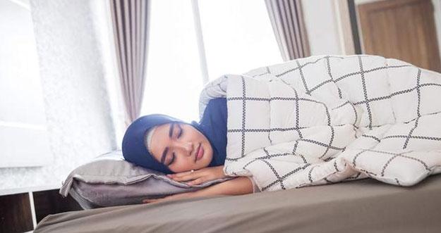 10 Tips Tidur Nyenyak Selama Bulan Ramadan
