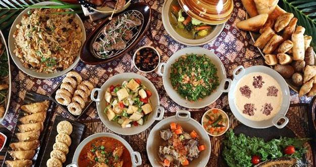 Makanan Yang Banyak Digemari Namun Tidak Baik Dikonsumsi Saat Puasa