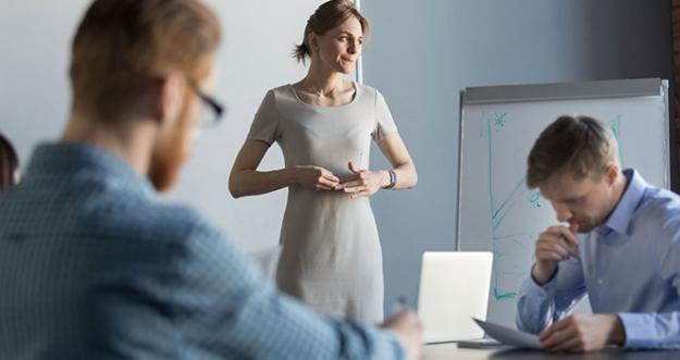 10 Pekerjaan Yang Cocok Untuk Extrovert