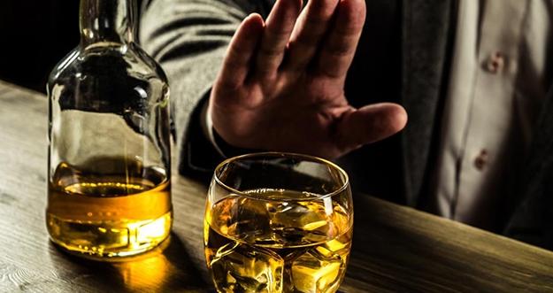 4 Manfaat Berhenti Minum Minuman Beralkohol