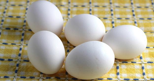Amankah Mengonsumsi Telur Mentah?