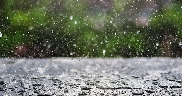 Alasan Tubuh Terasa Gerah Sebelum Hujan Turun