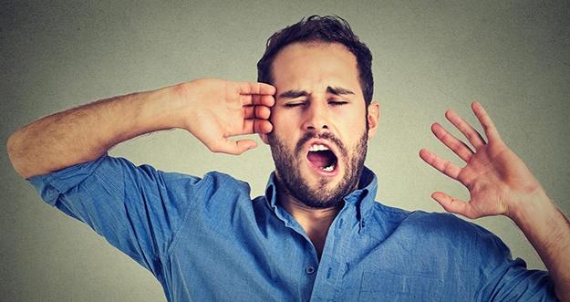 8 Cara Berhenti Menguap Saat Terlalu Lelah