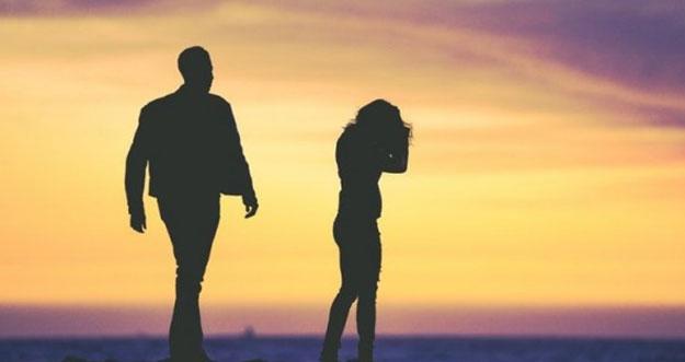 Alasan Tak Perlu Mempertahankan Pria Yang Tarik Ulur Perasaan