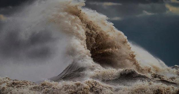 Ternyata Ombak Di Danau Ini Setara Dengan Ombak Di Laut